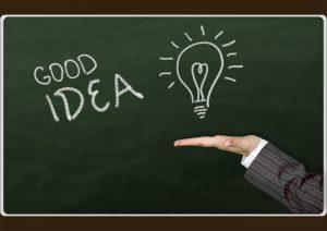 黒板に書かれた「GOOD IDEA」